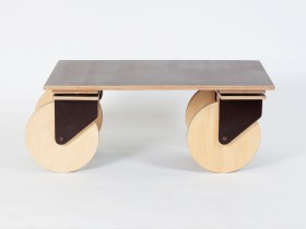 Coffee table on wheels with ply top
